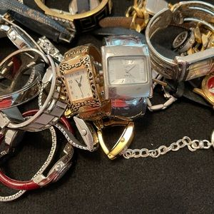 Untested watch lot. 2 pounds 9 ounces.